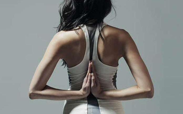 普拉提背心具备自动提示穿者正确健身姿态