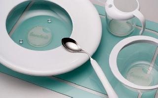 【生活有智】:专属餐具Benefeat细微处的设计,是想帮助特殊人群 顺利用餐