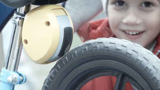 微智能MiNiBrake 车闸成为父母看护孩子骑行的好帮手