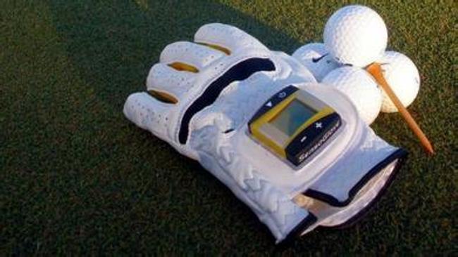 SensoGlove智能手套也许可以帮你解决高尔夫握杆问题