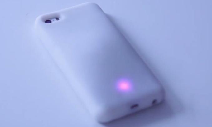 The Feeling Skin成为第一款iPhone智能充电外壳