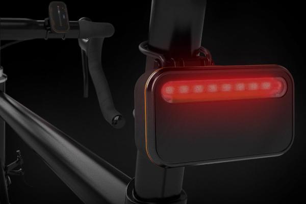 微智能Backtracker自行车雷达还可兼做尾灯