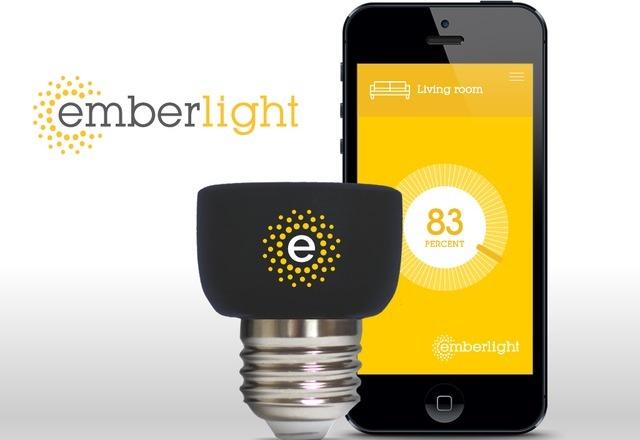 有了iPhone,Emberlight就能将任何普通灯泡变智能