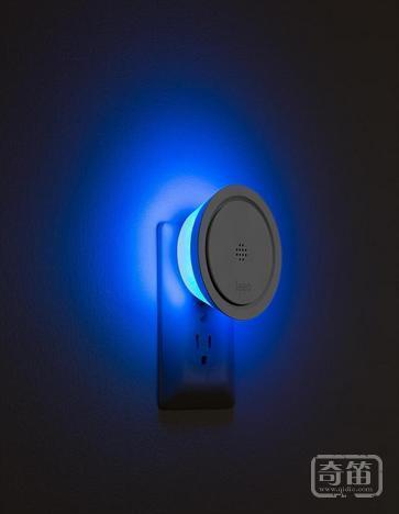 Leeo烟雾报警器能团结现有报警器来统一监控您的家居安全