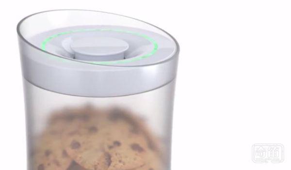 kSafe智能食品罐完成目标才能吃里面的零食