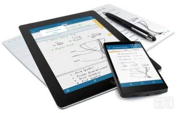 Livescribe 3智能笔可以让你同步书写笔记