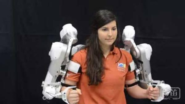 Harmony机器外骨骼能帮助上肢运动障碍患者高效康复