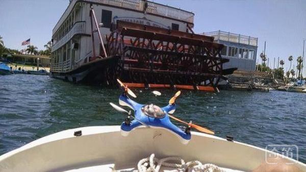 Aguadrone无人机能帮你找到鱼群,有目标地投饵
