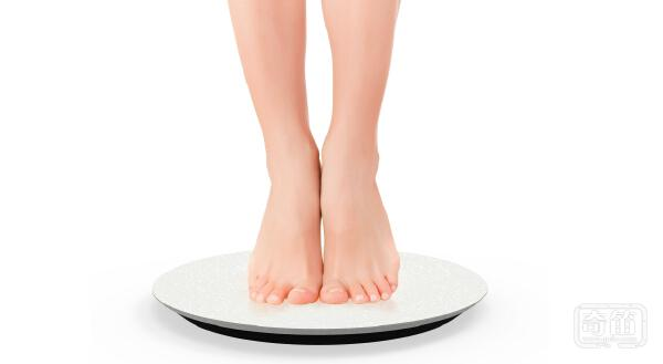 Qardiobase智能体重计给瘦身监测与孕期保健带来笑脸