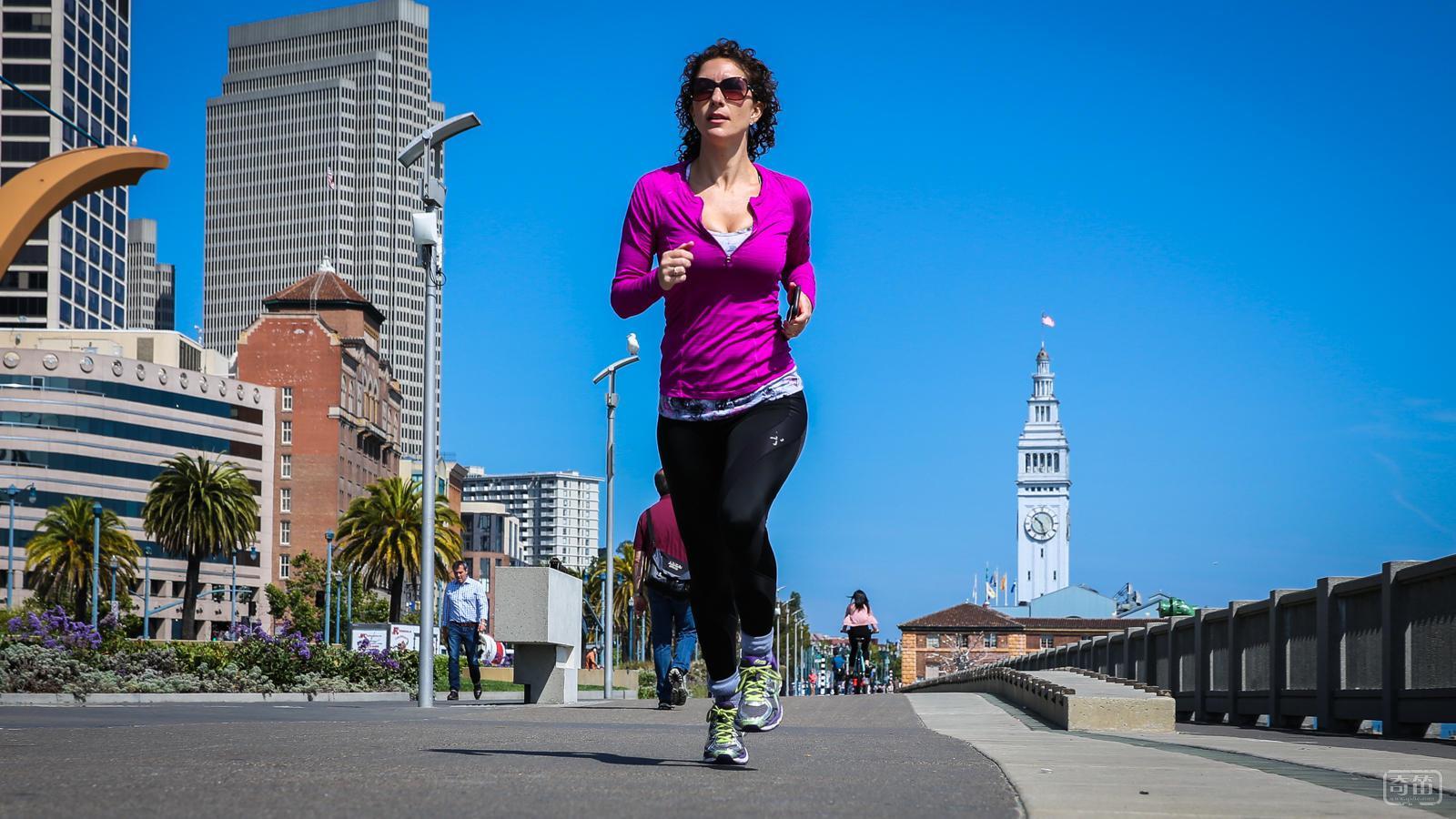 千里之行始于足下-Sensoria健身智能袜评测