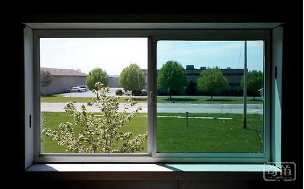 这种智能窗户超实用 可控制热量和光线