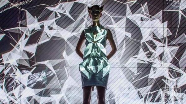 变身汽车人:汽车零件打造的智能服装