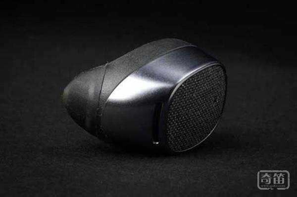 续航及音频质量提升 新版Moto Hint悄然而至