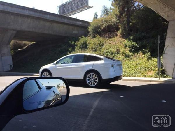 最新谍照曝光,特斯拉Model X预计9月发布