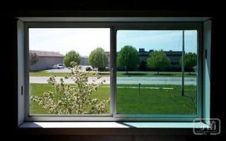 不用再去擦窗户 全新智能窗户可自动清洁