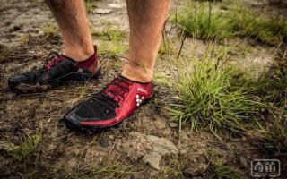时尚轻薄还能收集健身数据 这是款超舒适的赤足鞋