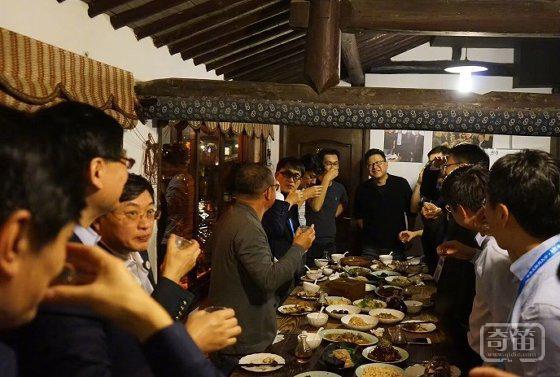 乌镇两场顶级饭局:互联网半壁江山都来了,没聊手机聊猪肉