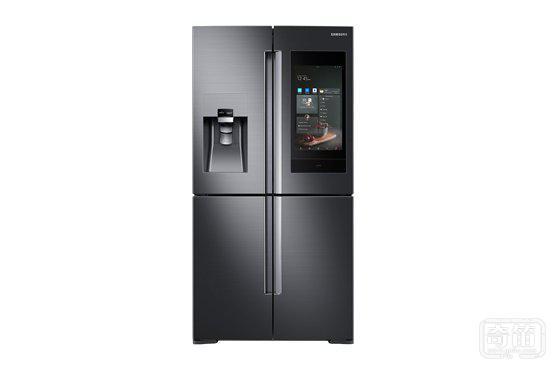 三星在新款 Family Hub 智能冰箱里塞进了 Bixby 和 AKG 喇叭