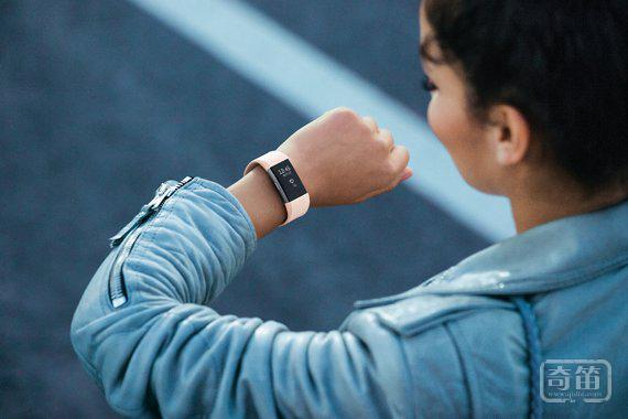可穿戴设备成绩单出炉:苹果赢了,Fitbit 快黄了