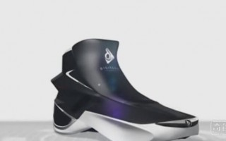 这款跑鞋充满了高科技,可记录能量消耗,还能保持恒定温度